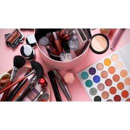 Cosmeticele ce trebuie folosite vara