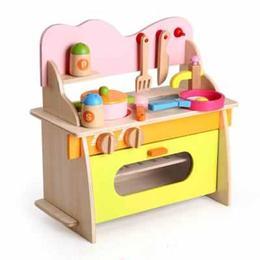 Chicineta din lemn ecologic, 10 accesorii - Disney Toy