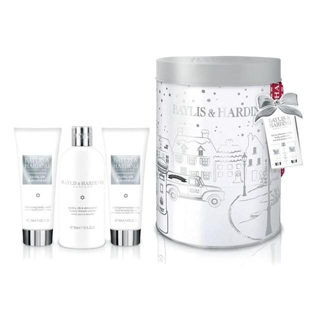 Set Cadou Baylis & Harding Jojoba, Silk & Almond Oil Round Tin Set - Crema de Dus 300ml, Gel de Dus 130ml, Lotiune de Maini si Corp 130ml imagine produs