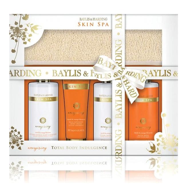 Set Cadou Baylis & Harding Skin Spa Energising Tray Set - Gel de Dus 300ml, Crema de Dus 300ml, Crema de Corp 130ml, Lapte de Baie 300ml, Banda Exfolianta