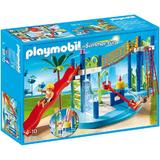 Playmobil Summr Fun - Atmosfera este nemaipomenita in zona de joaca din parcul acvatic.