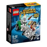 LEGO Super Heroes - Comics Wonder Woman vs. Doomsday pentru 5 - 12 ani