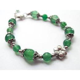 Bratara agate verzi fatetate cu floare, GlamBazaar, 18 cm, cu Agate, Verde, tip bratara handmade cu pietre naturale