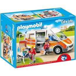 Playmobil City Life - Set figurine - Echipa de salvare - Ambulanta