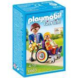 Playmobil City Life - Set constructie cu figurine - Baietel accidentat in scaun cu rotile