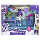 Set My Little Pony Twilight Sparkle figurina articulata in laboratorul de stiinte