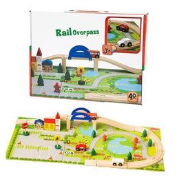 Circuit din lemn Rail Overpass cu masinute, pietoni, semne de circulatie si decor puzzle
