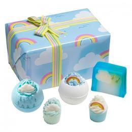 Set cadou Right as Rain, Bomb Cosmetics, bile de baie, sapun solid, 600 g de la esteto.ro