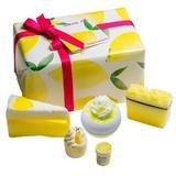 Set cadou Lemon Aid, Bomb Cosmetics, bile de baie, sapun solid, exfoliant buze, 600 g