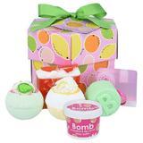 Set cadou Fruit Basket Hexagonal, Bomb Cosmetics, bile baie, sapun solid, gel de dus, exfolaint corporal, 950 g