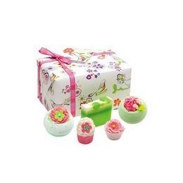 Set cadou Three Little Birds, Bomb Cosmetics, bile de baie si sapun solid, 500 g de la esteto.ro