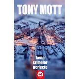 Iarna crimelor perfecte - Tony Mott, editura Tritonic
