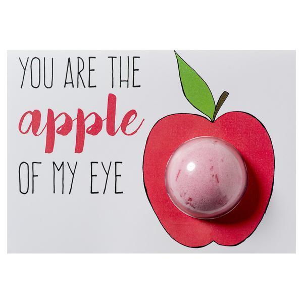Set cadou Felicitare cu bila de baie efervescenta 40g + plic You Are the Apple Of My Eye, Bomb Cosmetics esteto.ro