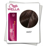 Vopsea fara Amoniac - Wella Professionals Color Touch Plus nuanta 44/07