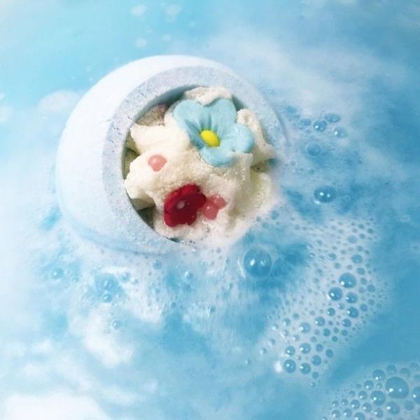 Bila de baie efervescenta Cotton Flower Bomb Cosmetics 160 g imagine produs