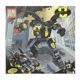 Set de constructie BatMobile si Batman, 368 piese tip lego