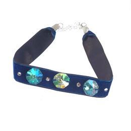 Colier Choker GANELLI cu 3 Cristale octogon mari si 4 mici Swarovski elements, catifea cu dublura din satin albastru