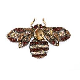 Brosa Lady Amber Bee - Tricia Design